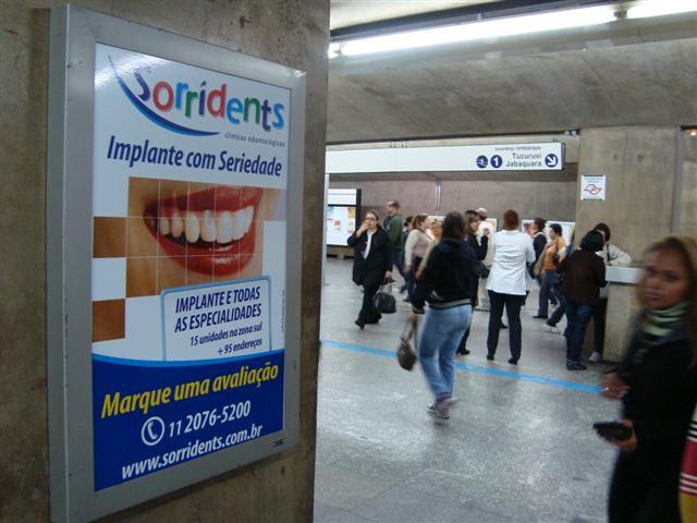 Publicidade no metrô - RA Mídias